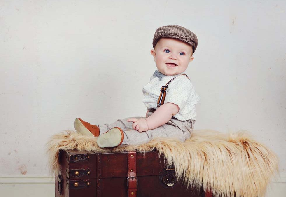 family photos, family pics, childrens photographer, Vintage theme, toddler photography