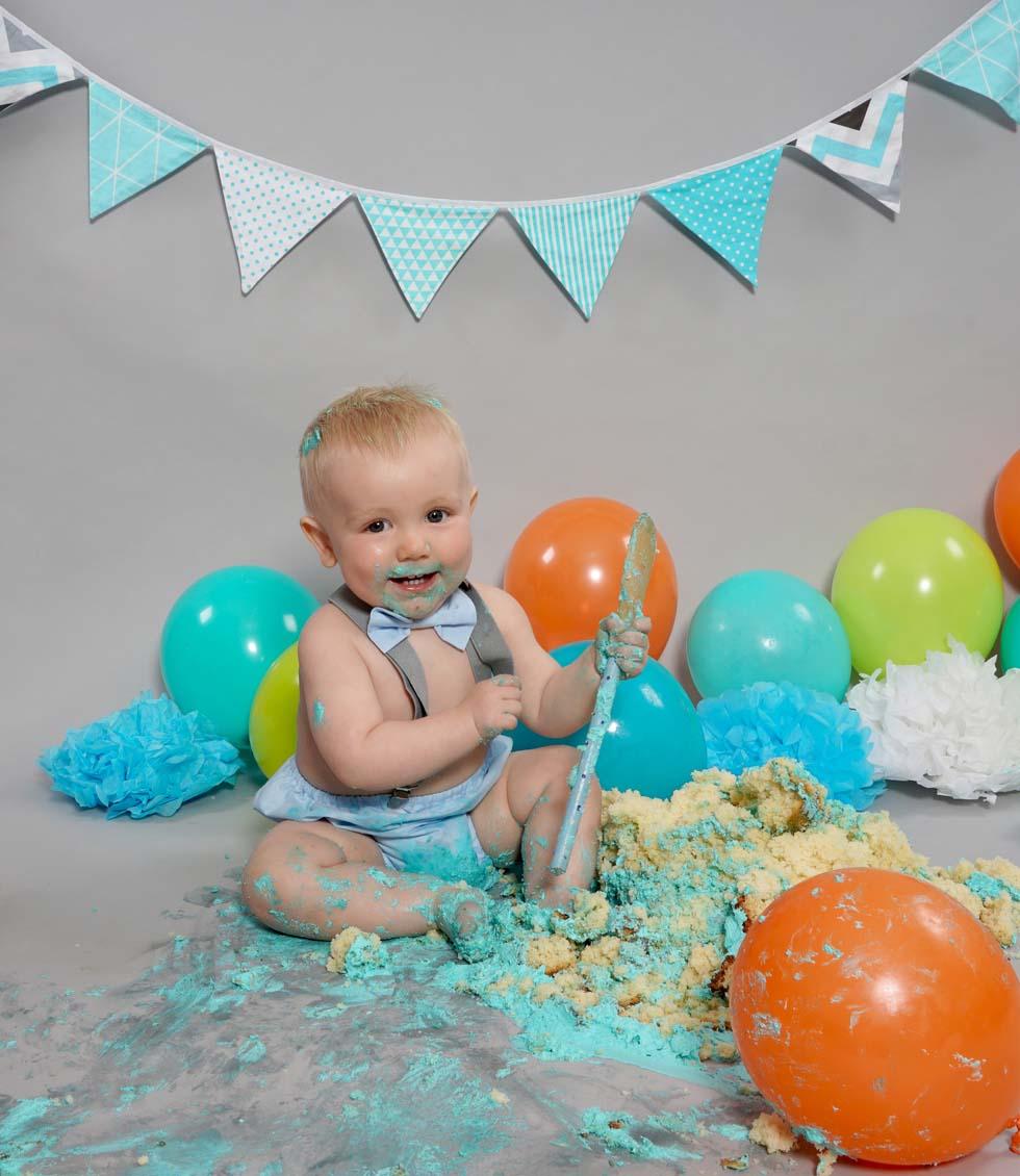 Cake smash photo shoot, cake smash, 1st birthday, cake smashing