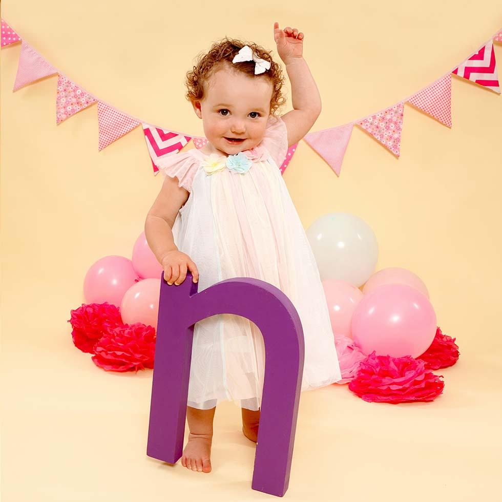 Cake smash photo shoot, cakesmash photoshoot, 1st birthday, cake smashing